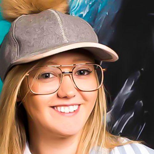 Learn Resin Online Video with Australian artist Jessica Baker